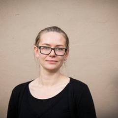 Dr Elizabeth Strakosch